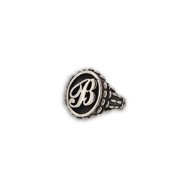 anell0 ovale a rilievo mandorlato